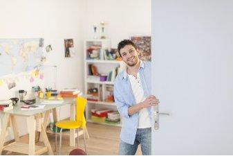 La résidence étudiante nouvelle génération pourrait se rapprocher du modèle du coliving pour séduire les millenials (et donc les investisseurs).   Shutterstock